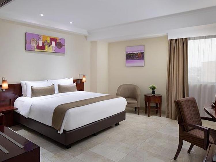 aryaduta hotel palembang