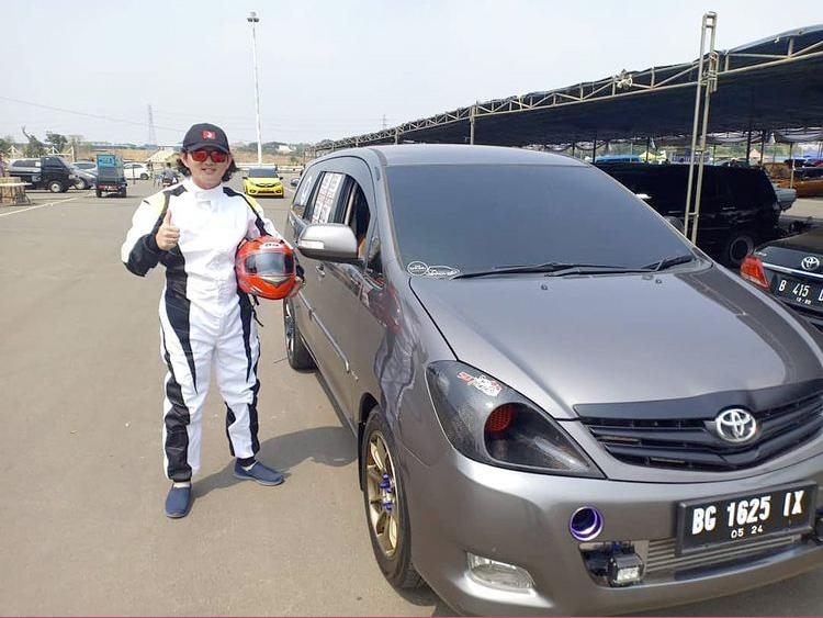 drag race mobil palembang